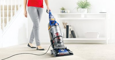 Best Upright Vacuums for Pet Hair 2021 - Reviews & Guides (Updated)
