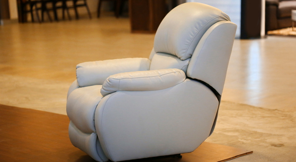 How does a recliner work